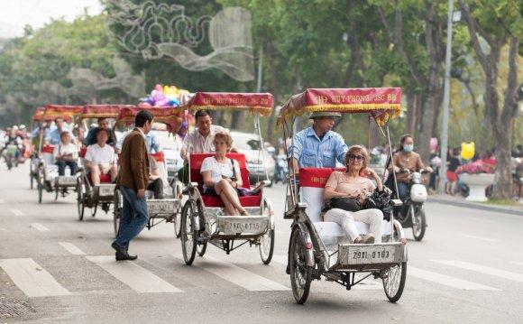 To Travel Around Vietnam