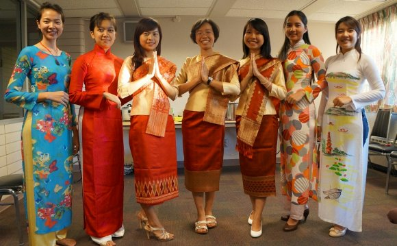 Dress of Vietnam)