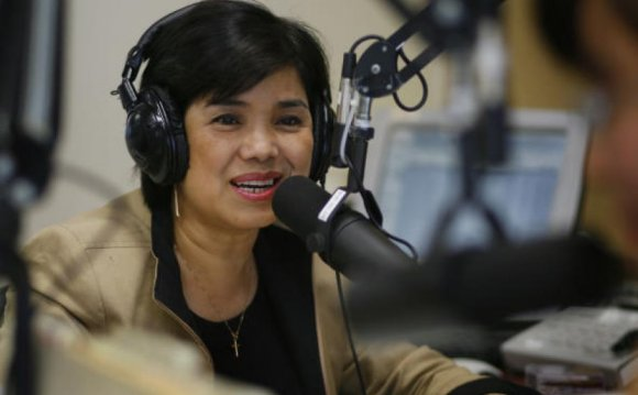 Vu Thanh Thuy broadcasts at