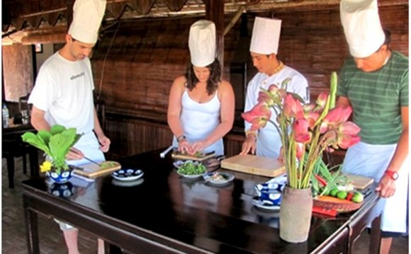 Vietnamese cooking school