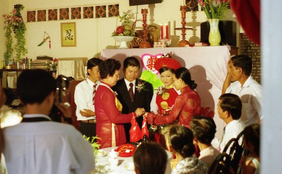 Vietnamese Groom Dress Re