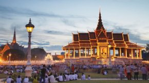 Crowds away from Royal Palace in the evening in Phnom Penh, Cambodia.
